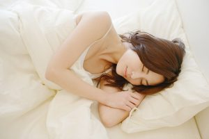 睡眠不足によるむくみ